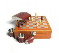 Шахматный набор с фляжкой (174мл) и металлическими стаканами