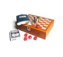 Шахматный набор с фляжкой (232мл), костями, картами и стаканом