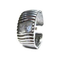Женские наручные часы Lunduo на браслете